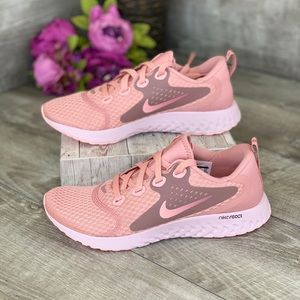 Nike Legend React Rust Pink